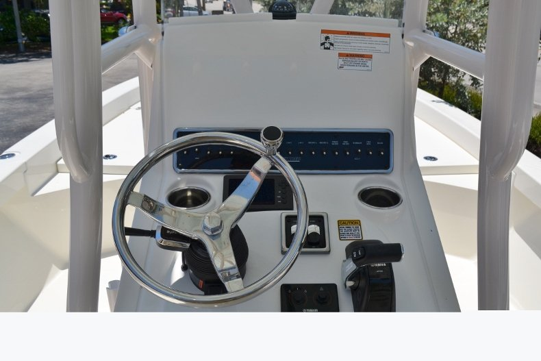 Thumbnail 10 for New 2018 Pathfinder 2600 HPS Bay Boat boat for sale in Vero Beach, FL