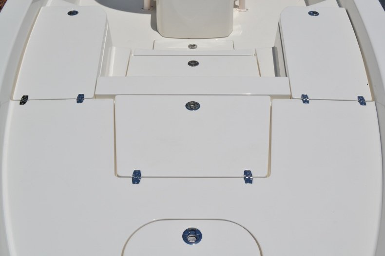 Thumbnail 11 for New 2018 Pathfinder 2600 HPS Bay Boat boat for sale in Vero Beach, FL