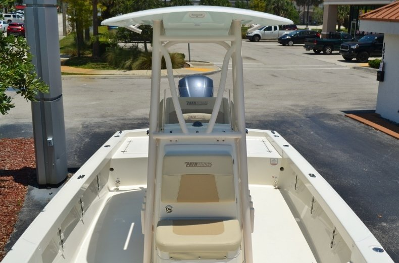 Thumbnail 12 for New 2018 Pathfinder 2600 HPS Bay Boat boat for sale in Vero Beach, FL