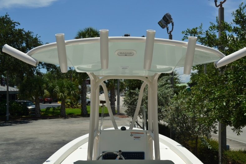 Thumbnail 9 for New 2018 Pathfinder 2600 HPS Bay Boat boat for sale in Vero Beach, FL