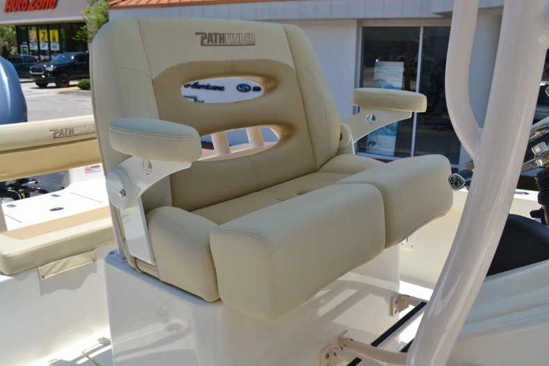Thumbnail 18 for New 2018 Pathfinder 2600 HPS Bay Boat boat for sale in Vero Beach, FL