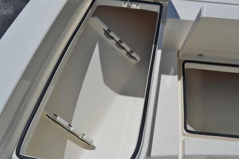Thumbnail 15 for New 2018 Pathfinder 2600 HPS Bay Boat boat for sale in Vero Beach, FL
