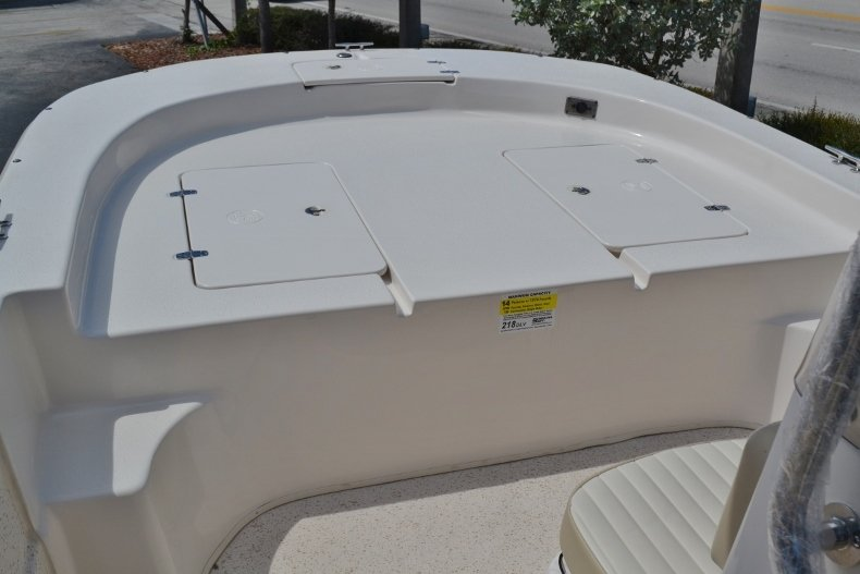 Thumbnail 11 for New 2019 Carolina Skiff 218DLV boat for sale in Vero Beach, FL