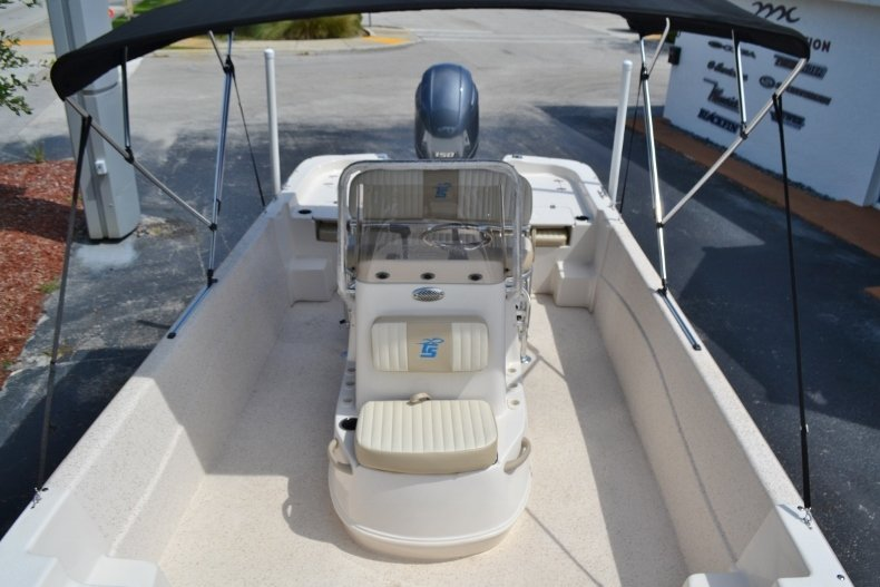 Thumbnail 13 for New 2019 Carolina Skiff 218DLV boat for sale in Vero Beach, FL
