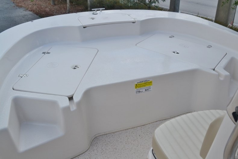 Thumbnail 10 for New 2019 Carolina Skiff 178DLV boat for sale in Vero Beach, FL