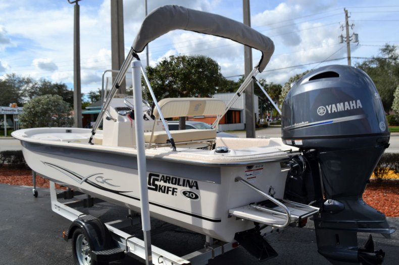 Thumbnail 3 for New 2019 Carolina Skiff 20 JVX Center Console boat for sale in Vero Beach, FL