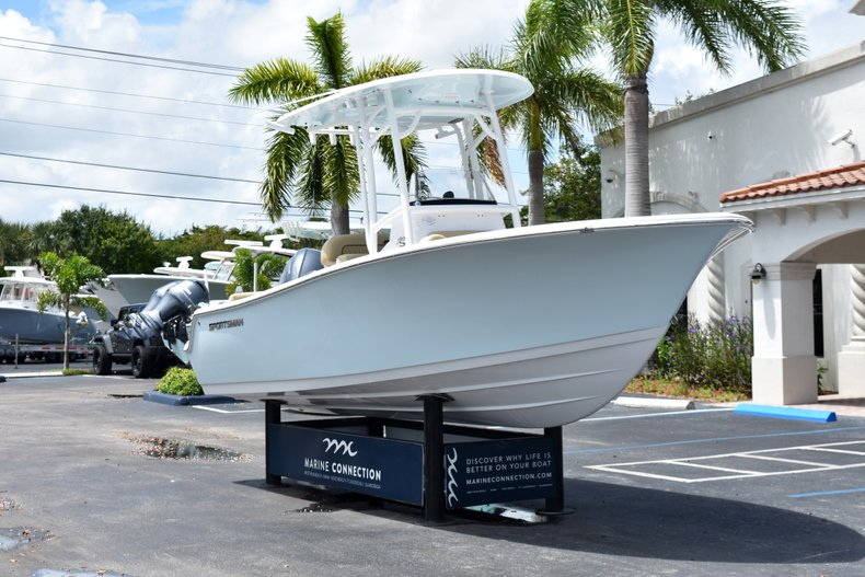 Thumbnail 1 for New 2019 Sportsman Heritage 211 Center Console boat for sale in Vero Beach, FL