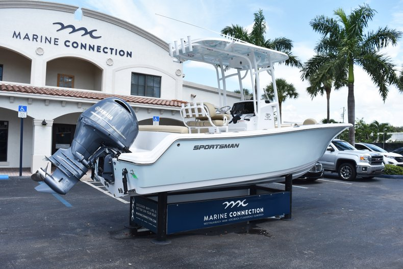 Thumbnail 7 for New 2019 Sportsman Heritage 211 Center Console boat for sale in Vero Beach, FL