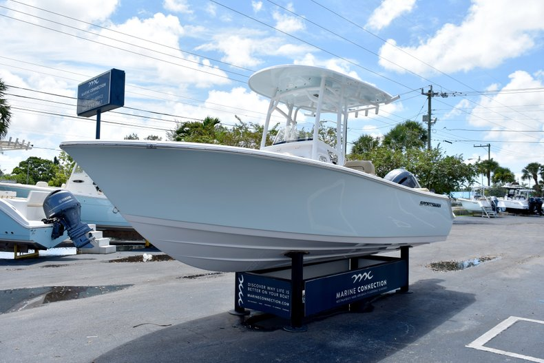 Thumbnail 3 for New 2019 Sportsman Heritage 211 Center Console boat for sale in Vero Beach, FL