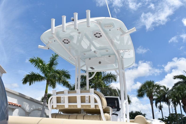 Thumbnail 8 for New 2019 Sportsman Heritage 211 Center Console boat for sale in Vero Beach, FL