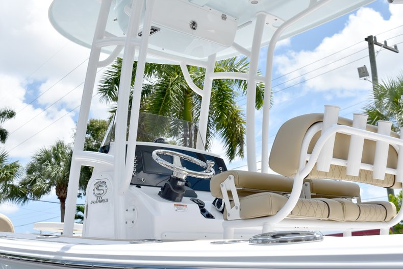 Thumbnail 11 for New 2019 Sportsman Heritage 211 Center Console boat for sale in Vero Beach, FL