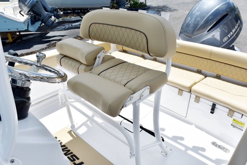 Thumbnail 20 for New 2019 Sportsman Heritage 211 Center Console boat for sale in Vero Beach, FL