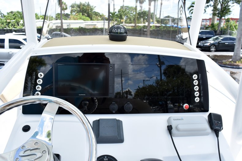 Thumbnail 21 for New 2019 Sportsman Heritage 211 Center Console boat for sale in Vero Beach, FL