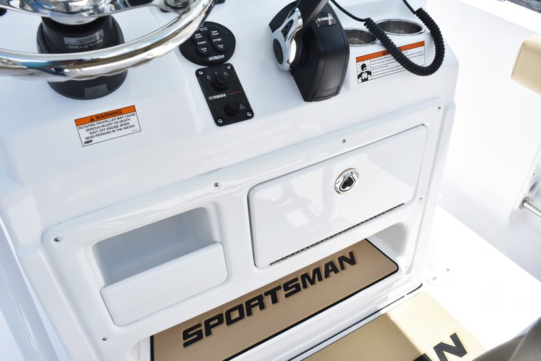 Thumbnail 32 for New 2019 Sportsman Heritage 211 Center Console boat for sale in Vero Beach, FL