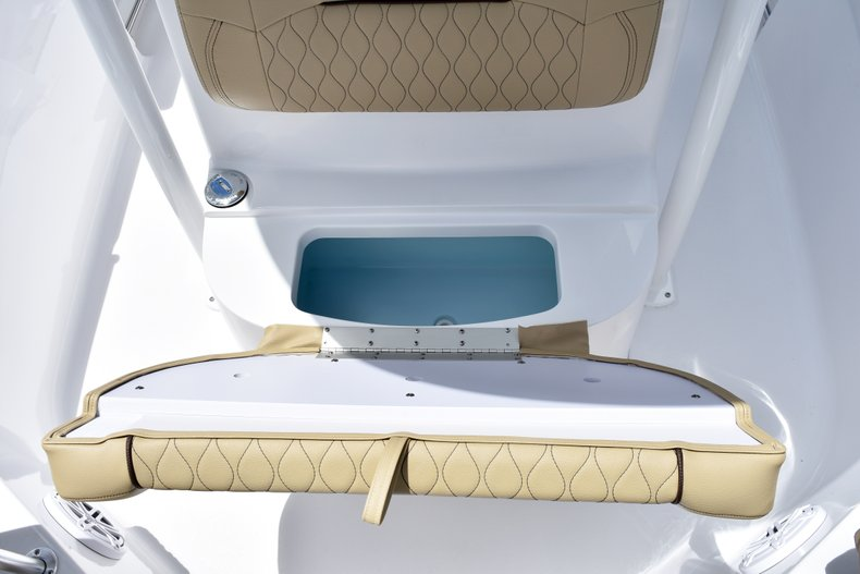 Thumbnail 38 for New 2019 Sportsman Heritage 211 Center Console boat for sale in Vero Beach, FL