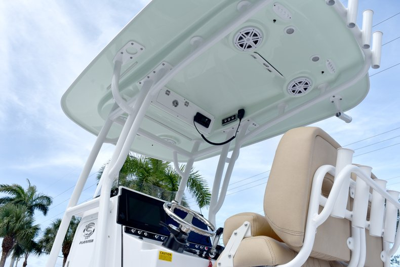Thumbnail 10 for New 2019 Sportsman Masters 247 Bay Boat boat for sale in Vero Beach, FL