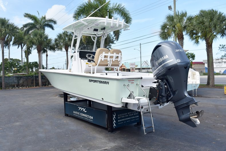 Thumbnail 5 for New 2019 Sportsman Masters 247 Bay Boat boat for sale in Vero Beach, FL