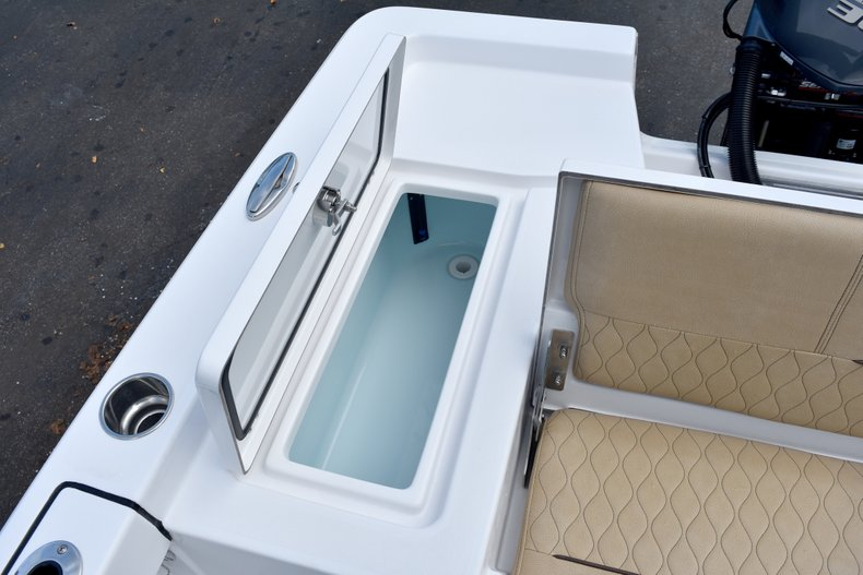 Thumbnail 15 for New 2019 Sportsman Masters 247 Bay Boat boat for sale in Vero Beach, FL