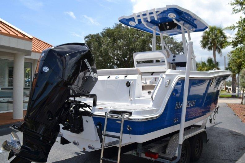 Thumbnail 5 for New 2019 Blackfin 212CC Center Console boat for sale in Vero Beach, FL