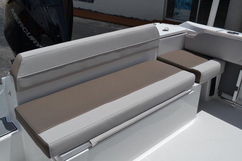 Thumbnail 20 for New 2019 Blackfin 212CC Center Console boat for sale in Vero Beach, FL