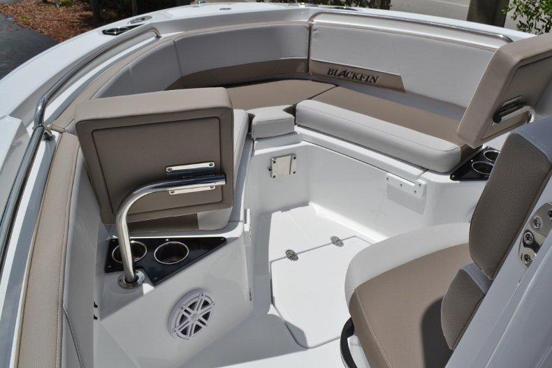 Thumbnail 25 for New 2019 Blackfin 212CC Center Console boat for sale in Vero Beach, FL