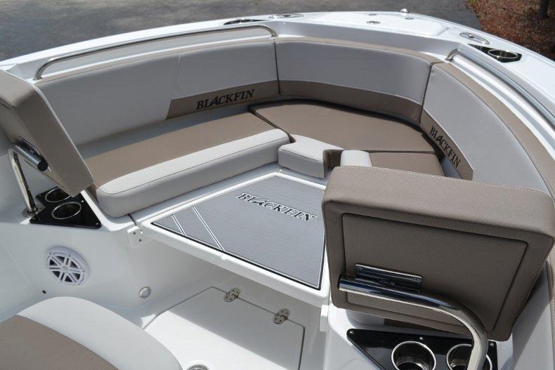 Thumbnail 27 for New 2019 Blackfin 212CC Center Console boat for sale in Vero Beach, FL