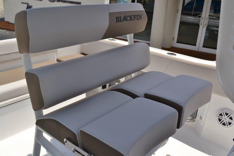 Thumbnail 19 for New 2019 Blackfin 212CC Center Console boat for sale in Vero Beach, FL