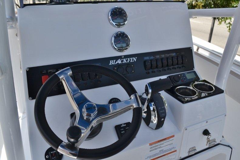 Thumbnail 24 for New 2019 Blackfin 212CC Center Console boat for sale in Vero Beach, FL