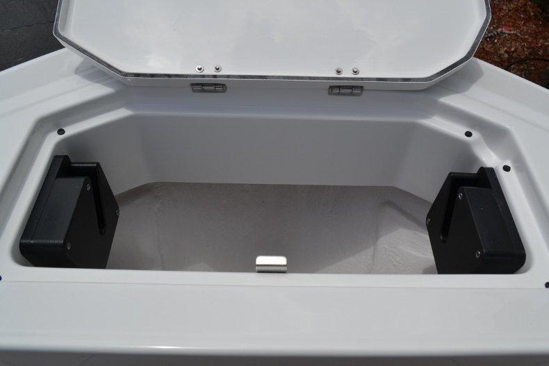 Thumbnail 35 for New 2019 Blackfin 212CC Center Console boat for sale in Vero Beach, FL