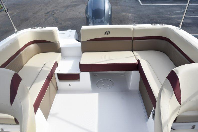 Thumbnail 14 for New 2019 Hurricane 217 SunDeck OB boat for sale in Vero Beach, FL