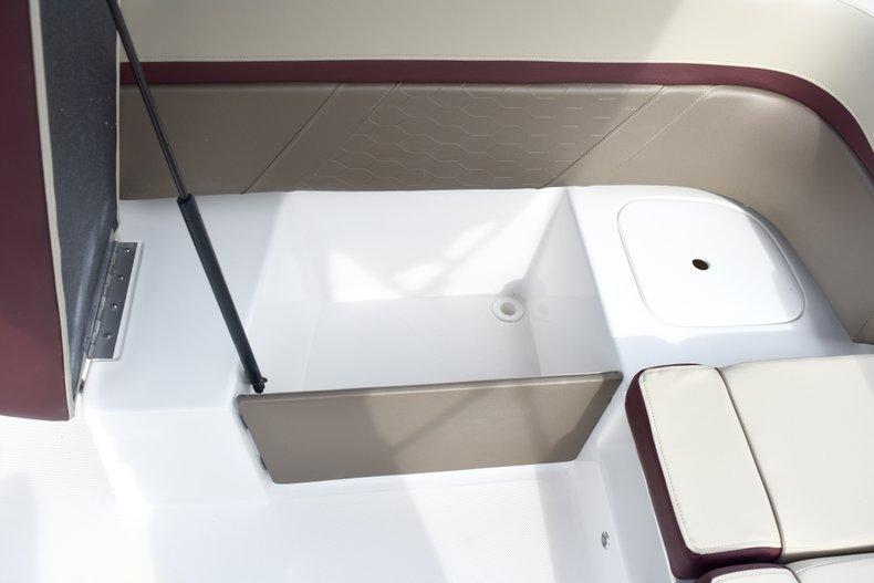 Thumbnail 16 for New 2019 Hurricane 217 SunDeck OB boat for sale in Vero Beach, FL