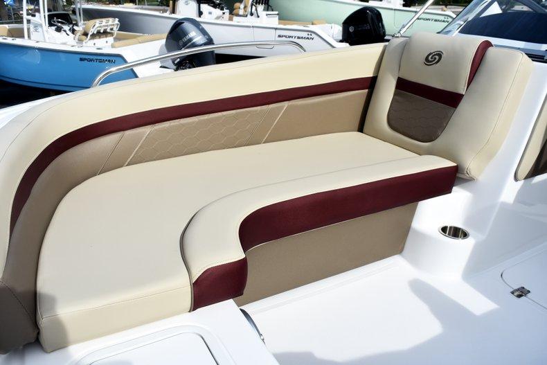 Thumbnail 37 for New 2019 Hurricane 217 SunDeck OB boat for sale in Vero Beach, FL