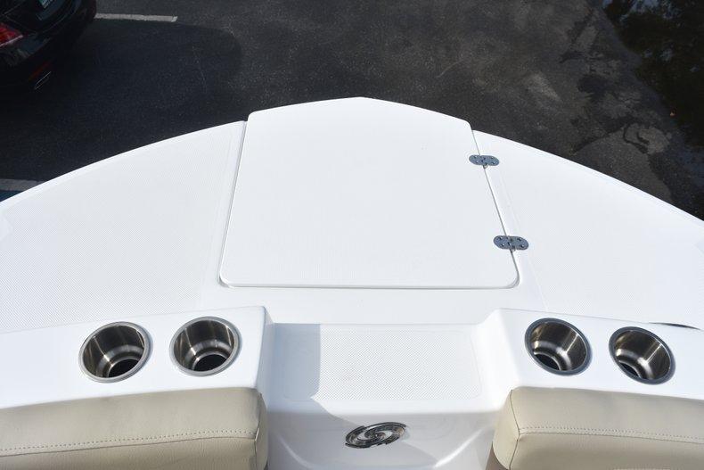 Thumbnail 41 for New 2019 Hurricane 217 SunDeck OB boat for sale in Vero Beach, FL