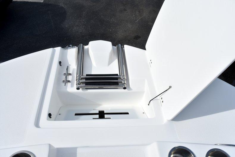 Thumbnail 42 for New 2019 Hurricane 217 SunDeck OB boat for sale in Vero Beach, FL