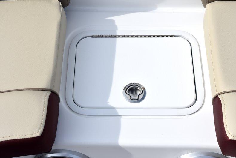 Thumbnail 39 for New 2019 Hurricane 217 SunDeck OB boat for sale in Vero Beach, FL