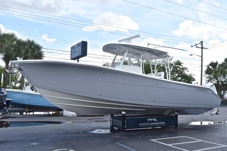 Thumbnail 4 for New 2019 Cobia 320 Center Console boat for sale in Vero Beach, FL