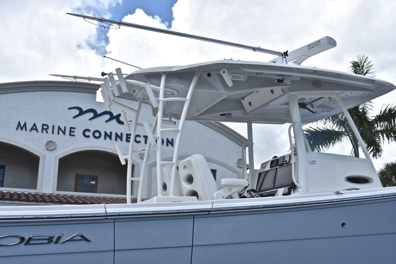 Thumbnail 9 for New 2019 Cobia 320 Center Console boat for sale in Vero Beach, FL
