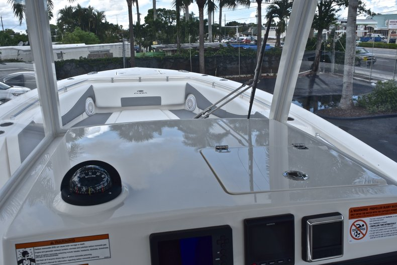 Thumbnail 52 for New 2019 Cobia 320 Center Console boat for sale in Vero Beach, FL