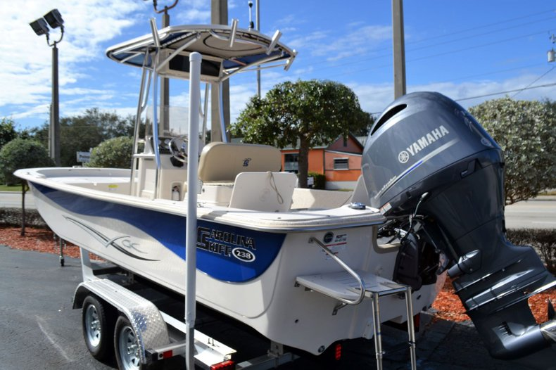 Thumbnail 18 for New 2019 Carolina Skiff 238 DLV boat for sale in Vero Beach, FL