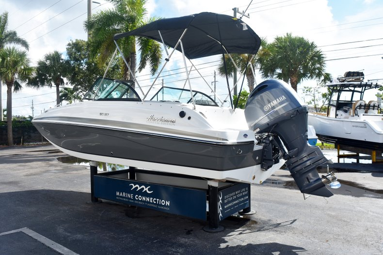 Thumbnail 5 for New 2019 Hurricane SunDeck SD 187 OB boat for sale in West Palm Beach, FL