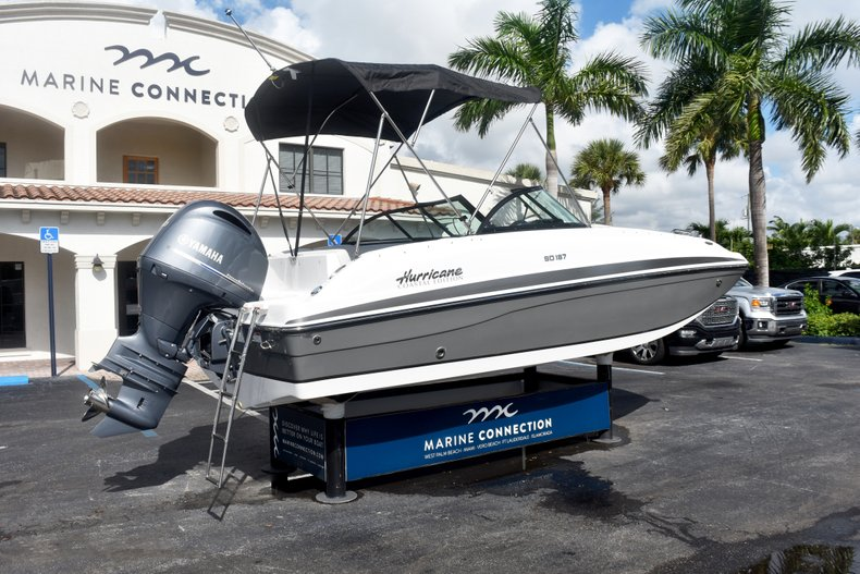 Thumbnail 7 for New 2019 Hurricane SunDeck SD 187 OB boat for sale in West Palm Beach, FL