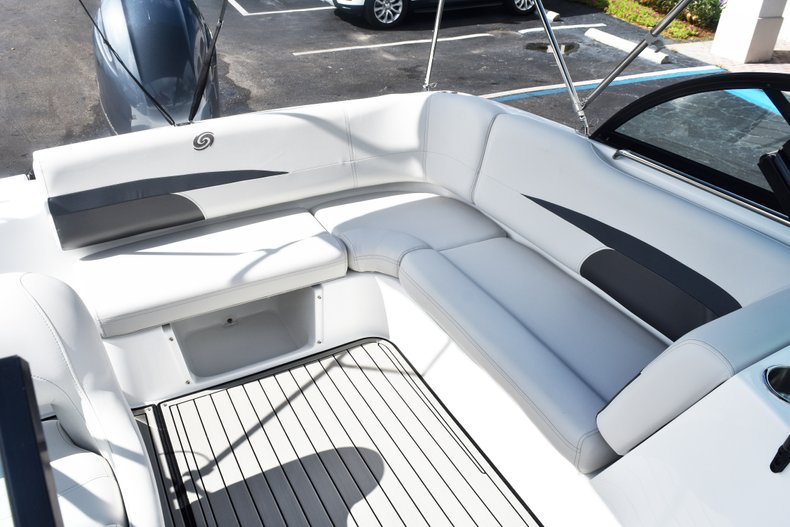 Thumbnail 15 for New 2019 Hurricane SunDeck SD 187 OB boat for sale in West Palm Beach, FL