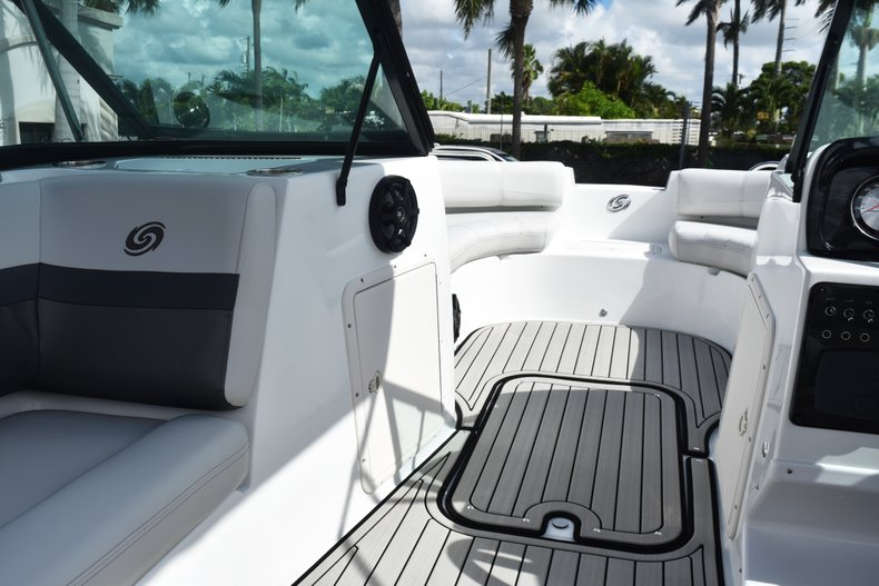 Thumbnail 31 for New 2019 Hurricane SunDeck SD 187 OB boat for sale in West Palm Beach, FL