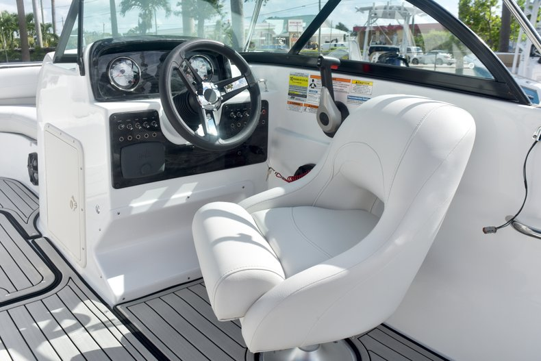 Thumbnail 22 for New 2019 Hurricane SunDeck SD 187 OB boat for sale in West Palm Beach, FL