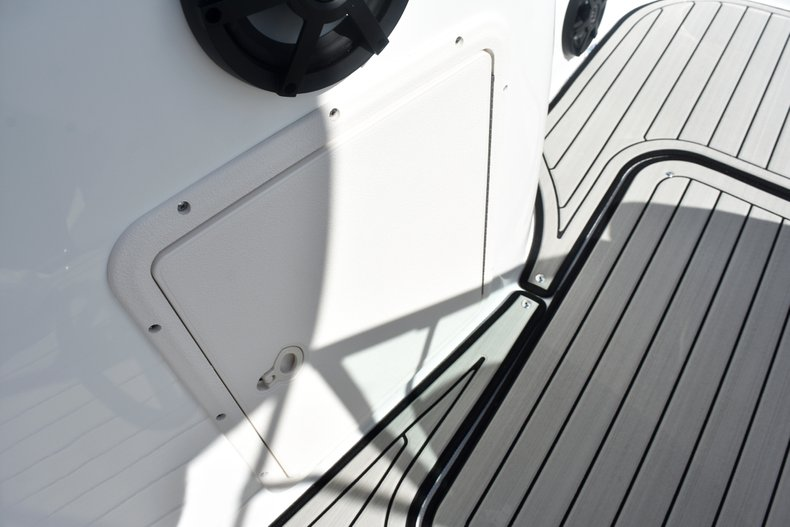 Thumbnail 33 for New 2019 Hurricane SunDeck SD 187 OB boat for sale in West Palm Beach, FL