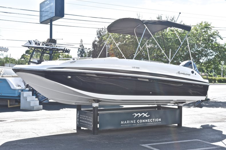 Thumbnail 3 for New 2019 Hurricane 188 SunDeck Sport OB boat for sale in Vero Beach, FL