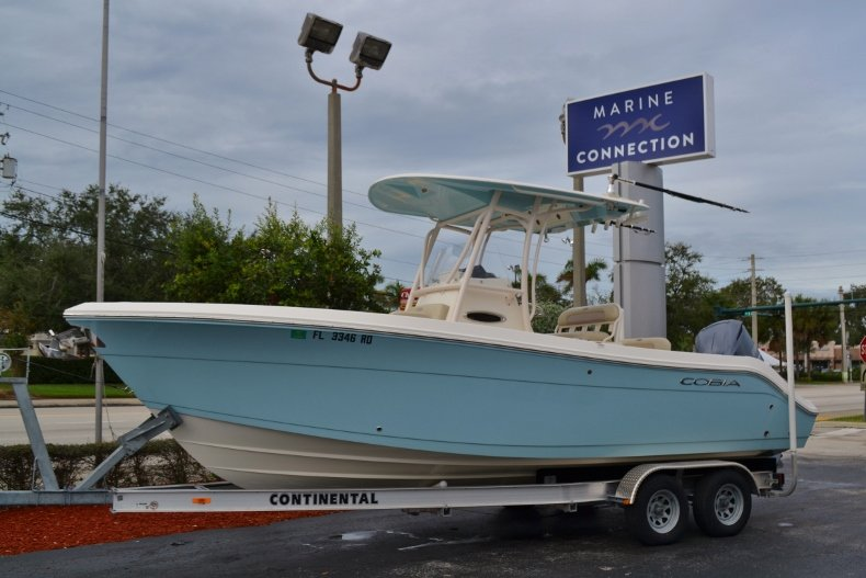 Used 2016 Cobia 237 Center Console boat for sale in Vero Beach, FL