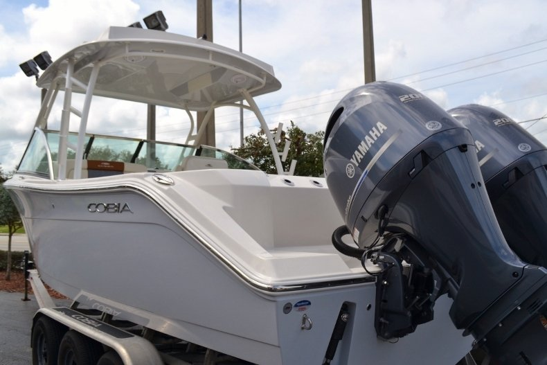 Thumbnail 3 for New 2019 Cobia 280 DC Dual Console boat for sale in Vero Beach, FL