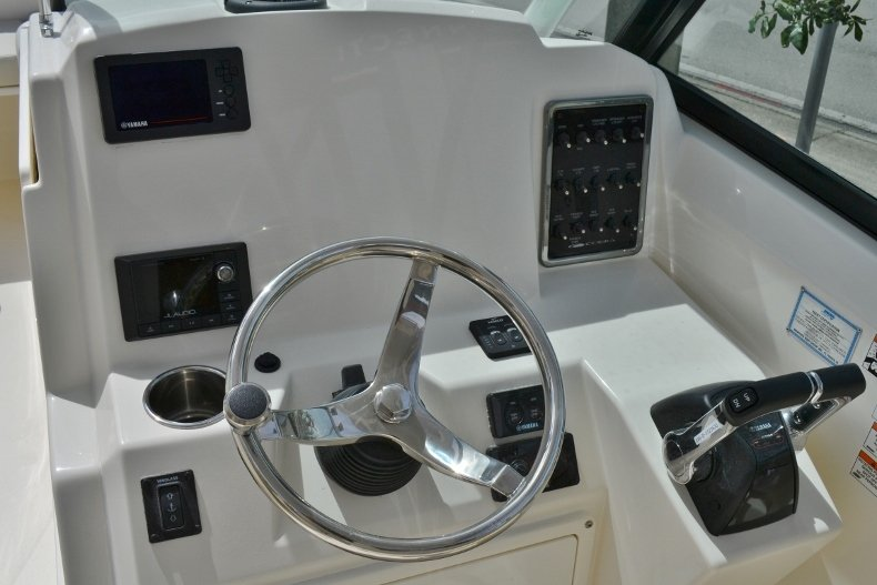 Thumbnail 11 for New 2019 Cobia 280 DC Dual Console boat for sale in West Palm Beach, FL