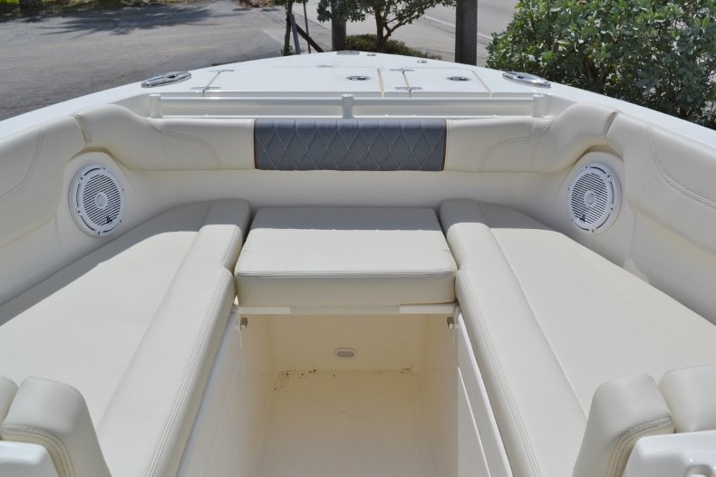 Thumbnail 22 for New 2019 Cobia 280 DC Dual Console boat for sale in Vero Beach, FL